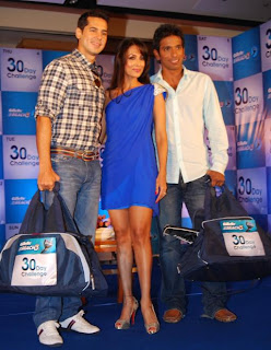 (L to R) Actor Dino Morea, Actress Malaika and Sportsman Ritwik Bhattacharya at the Gillette Mach3 30