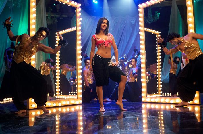 Katrina Kaif Item Song - Sheila Ki Jawani (Tees Maar Khan)