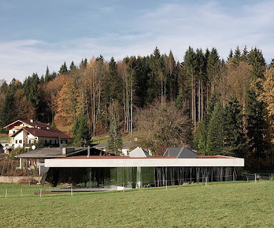 Modern Country House Suitable For Any Landscape