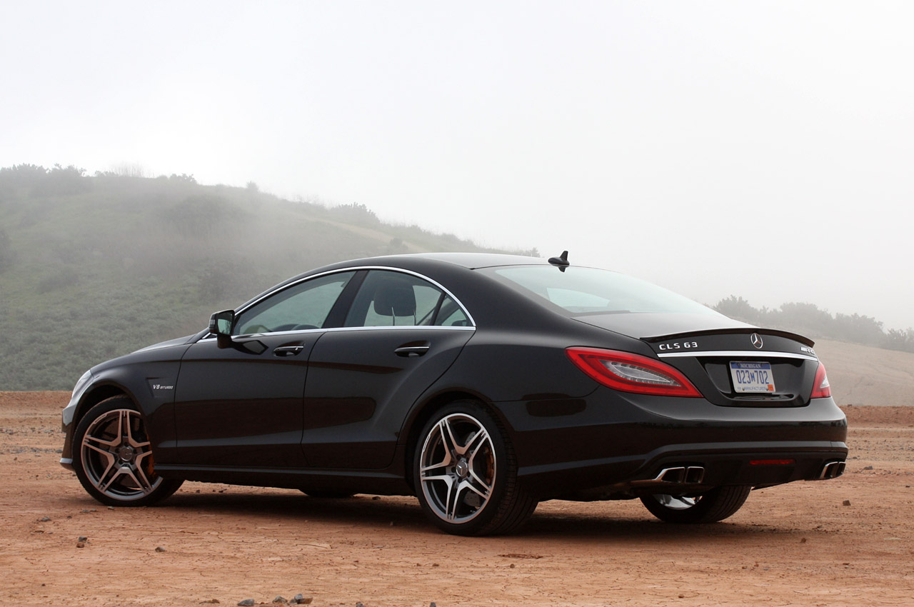 fly maybach mercedes benz cls63 amg 2012. Black Bedroom Furniture Sets. Home Design Ideas