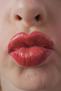 Different types of kisses and how to do them