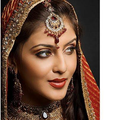 [indian-bridal-makeup-3.bmp]