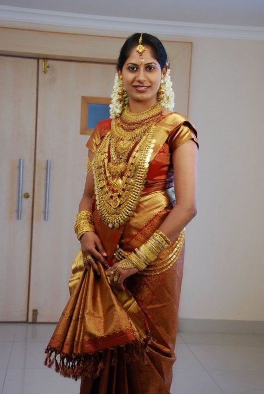 [traditional_south_indian_bridal_saree.jpg]