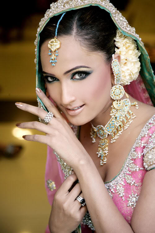 Wedding Dressup And Makeup : Indian Bridals Wedding Planning and Ideas: Modern Indian ...