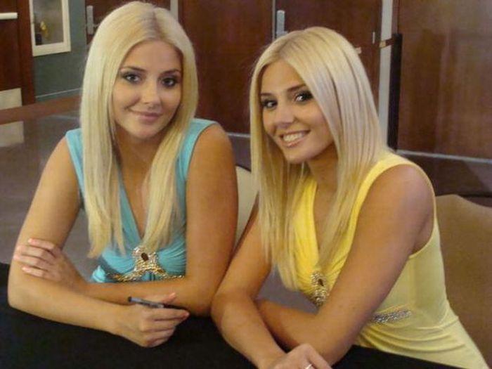 Blonde sexy twin pics 689