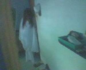 ... Video Penampakan Hantu Terbaru yang terekam kamera