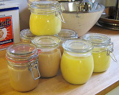 Milchmarmelade (Karamellcreme) und Lemon Curd (Zitronen-Creme)