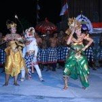 Kecak Dance in Tanah Lot, balinese art, balinese dance