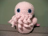 Tiny Cthulu amigurumi free crochet pattern