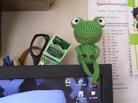 Free crochet frog amigurumi pattern