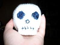 Free amigurumi skull pattern