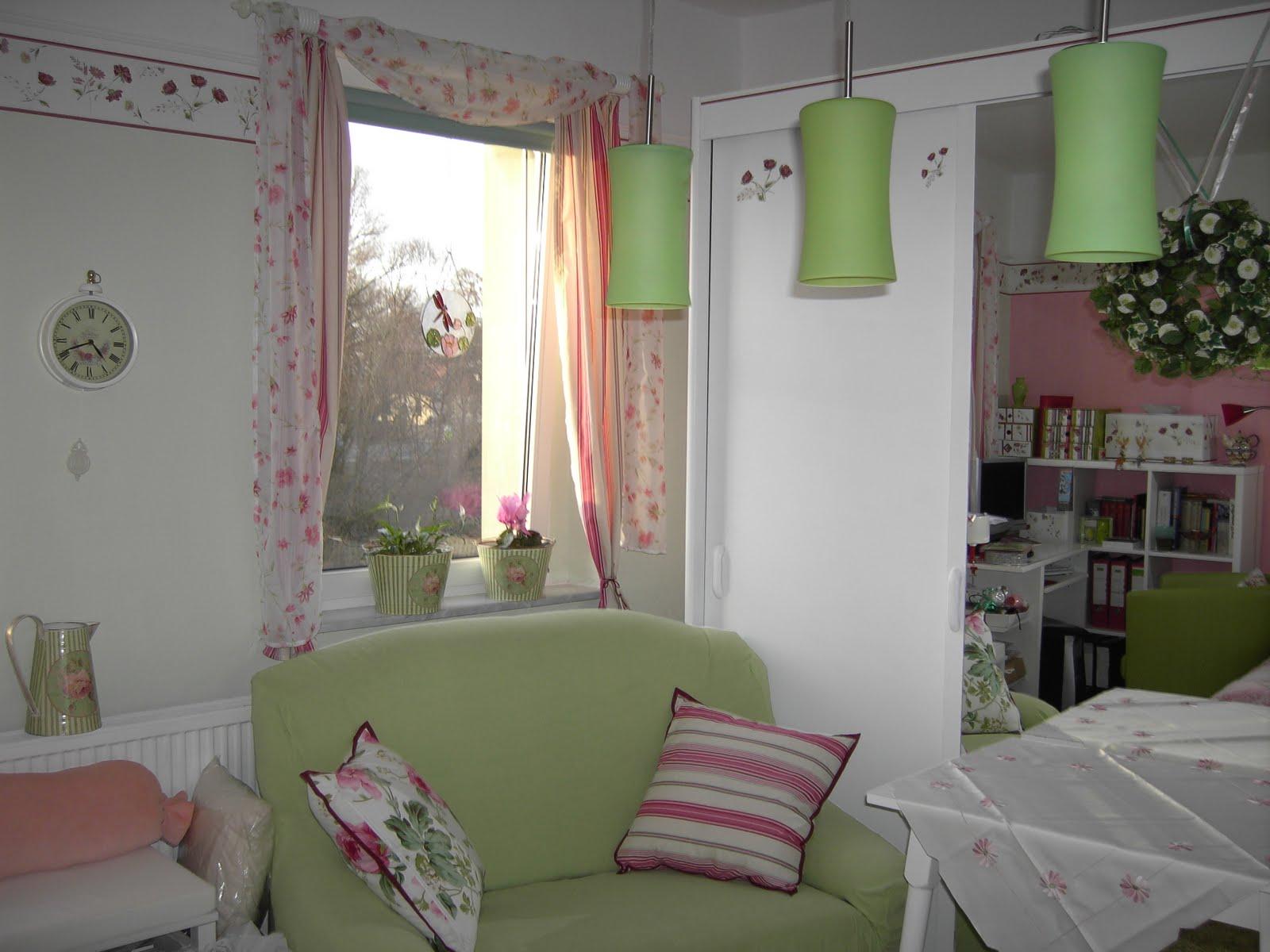 handgemacht von renate mein r ckzugsraum in hellgr n rosa und wei. Black Bedroom Furniture Sets. Home Design Ideas