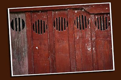 porthole designs, ancestral house detail