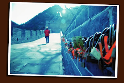 tourist and great wall locks