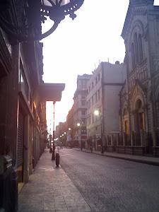 Amanecer en la calle de Madero