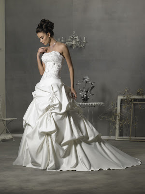 New Stunning Wedding Dress