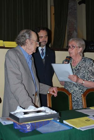 Dr. Félix Luna - Premiado Historiador Porteño 2008.