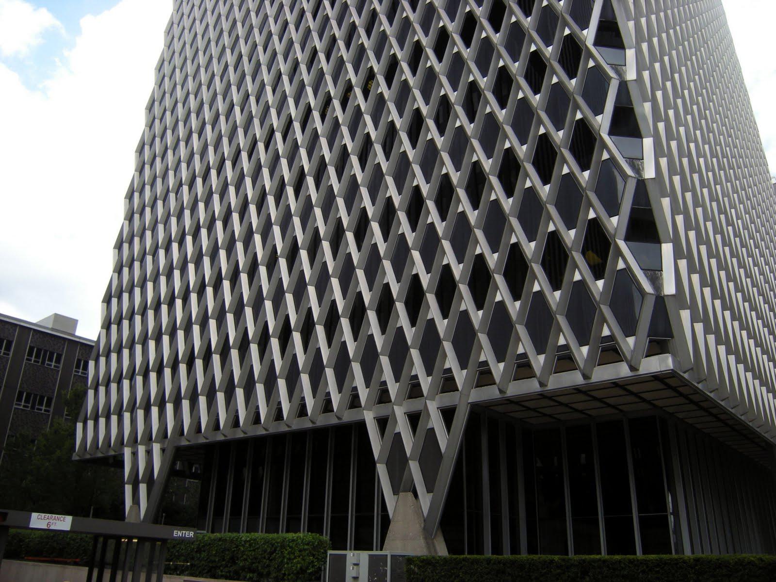 The mathematical tourist a diamond lattice exoskeleton for Architecte structure