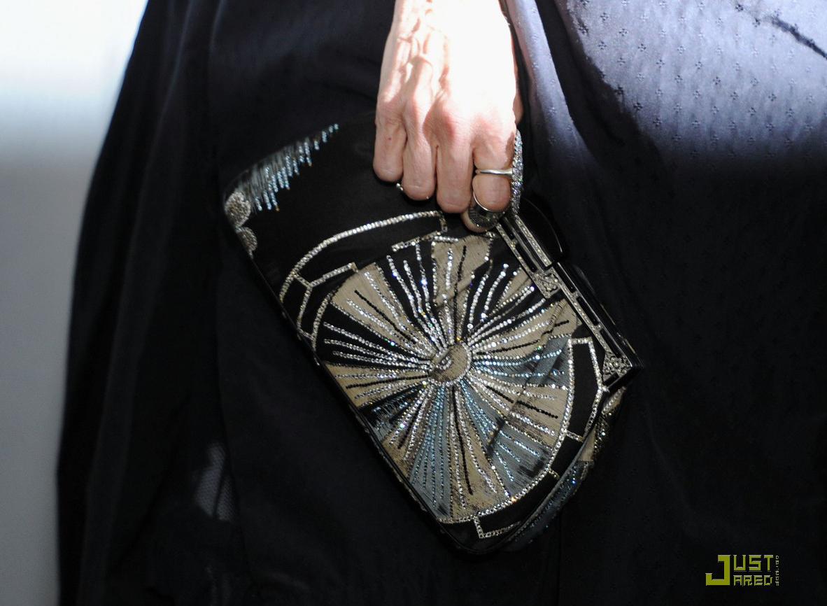 http://2.bp.blogspot.com/_GbvUU9jxkH8/TObJ4VbJpZI/AAAAAAAATDU/gvhyFyli5NE/s1600/sarah-jessica-parker-beauty-in-black-14.jpg