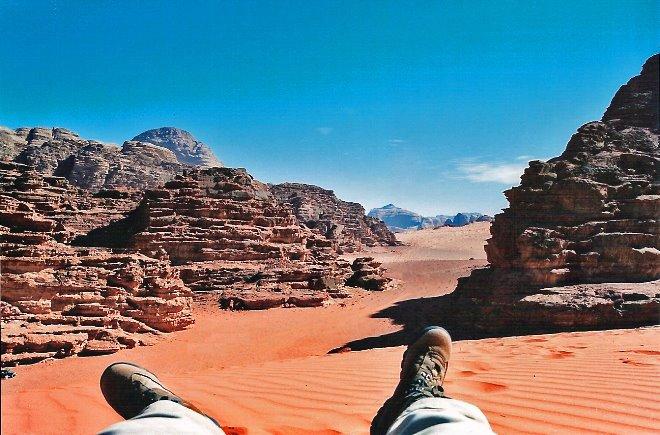 Vistas del desierto del Wadi Rhum desde una duna
