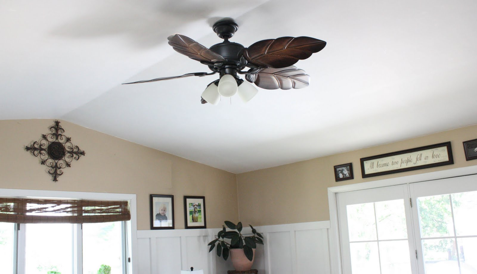 Design ceiling fan with blades metal leaf models and spotlights