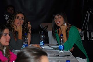 Veronica Orozco y Natalia Jerez parecen buenas compañeras de trabajo