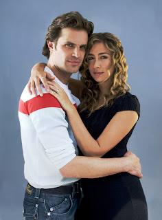Mark Tacher y Veronica Orozco en 'Los Protegidos'