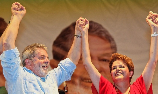 http://2.bp.blogspot.com/_GgxpYMbZFLU/THajhKs1F4I/AAAAAAAAALI/6Gw3lT-UicU/s1600/Lula+e+Dilma+2010.jpg