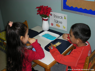 parent's guide to observing NAMC montessori classroom children eating snack