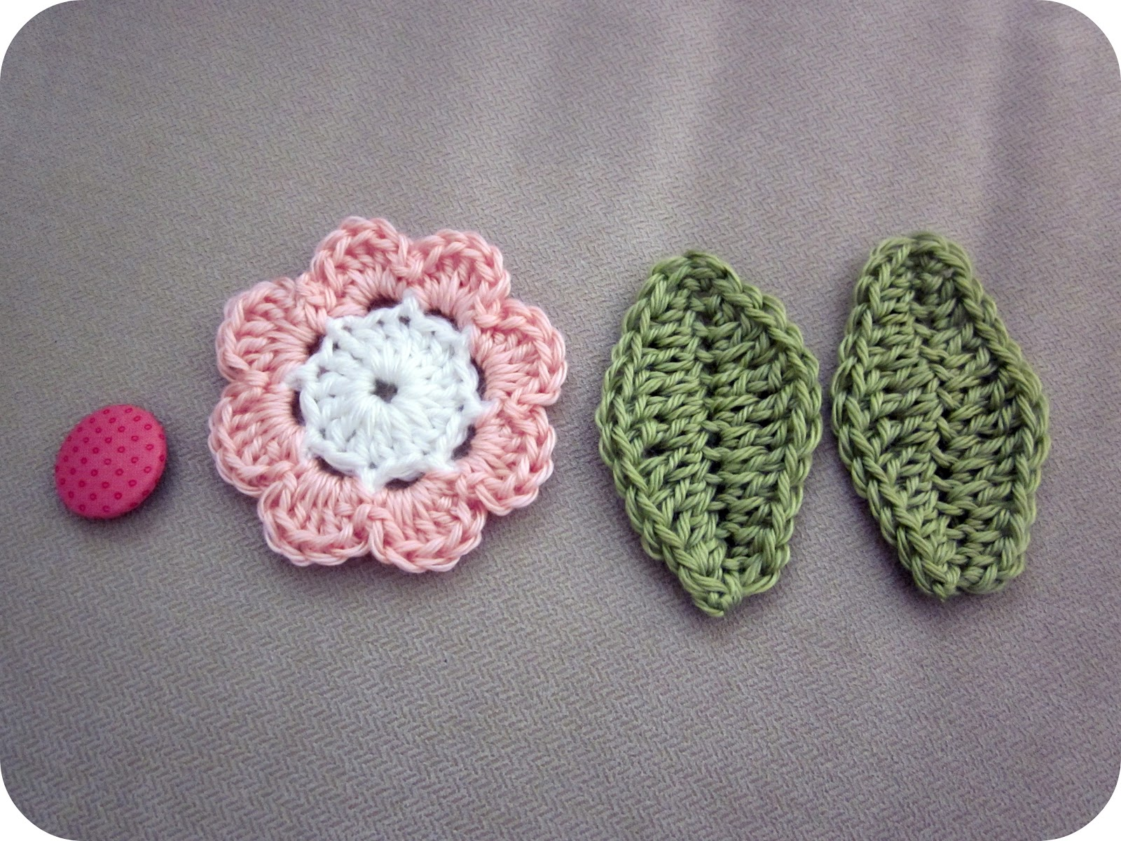 Crochet Patterns And Tutorials : TristinandCompany: Mini Tutorial: How to crochet leaves