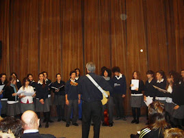 Cantando en el Inst. G. Pecotche