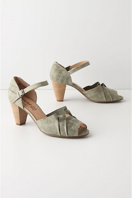 Anthropologie has the green ones on their site here right now for 128