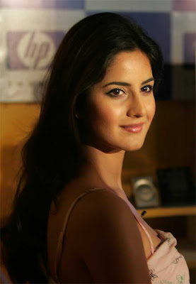 Bollywood actress katrina kaif sexy pose