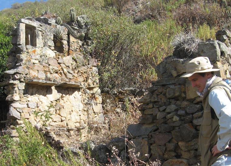 Estructura con ventanas de doble Jamba-Horizonte Tardío; Late Horizon archaeolgy, Huarochirí