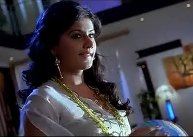Tapasee pannu Hot Navel Show Video Clip. Sexy Tapasee pannu Hot Video Clip