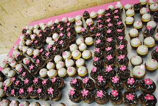 Wendy Called To Arrange For Cupcakes Her Daughters 21st Birthday I Thought This Was Sweet