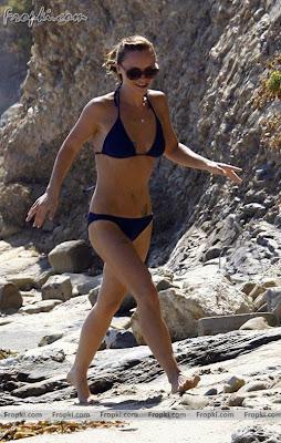 beautiful images christina ricci showed off her bikini
