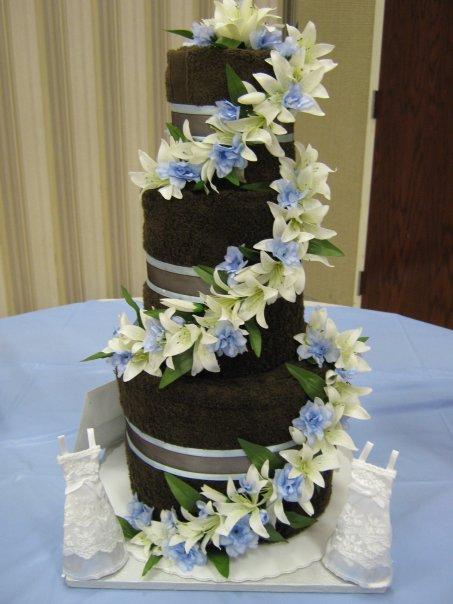 [towel+cake.jpg]