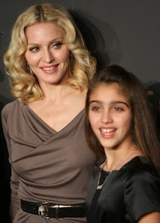 madonna night to benefit raising malawai unicef 05 Maddona and Daughter Lourdes at Benefit