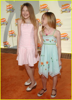 dakota fanning kids choice awards 09 Dakota and Elle Fanning at Kids Choice Awards 2007