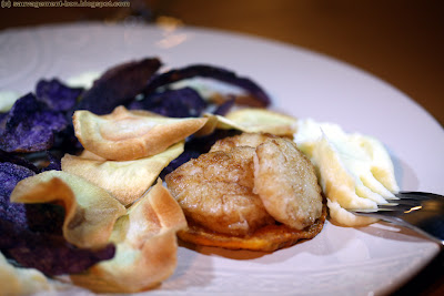 Noix de Saint-Jacques, chips aux 3 légumes et purée de panais