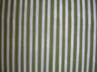 rayas amarillo y verde que recuerda a hojas de bambú