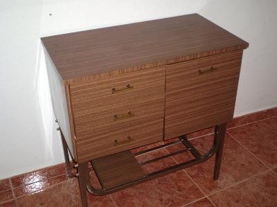 Antes y depués: Un mueble de RETO convertido en escritorio