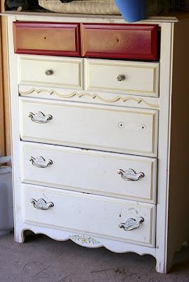 Restauración, cómoda restaurada, reciclado, negro