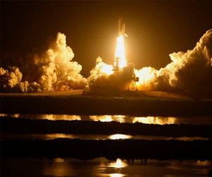 Space shuttle Discovery set for midnight launch