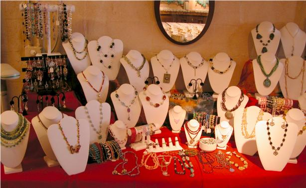 BEADED COUTURE! We specialized in Handmade Jewelry - unique beads & gemstone finds. (GEORGIA)
