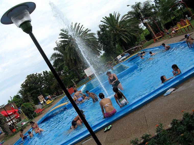 la piscina de los niños...