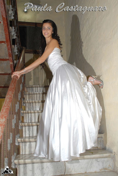 Paula, su vestido...