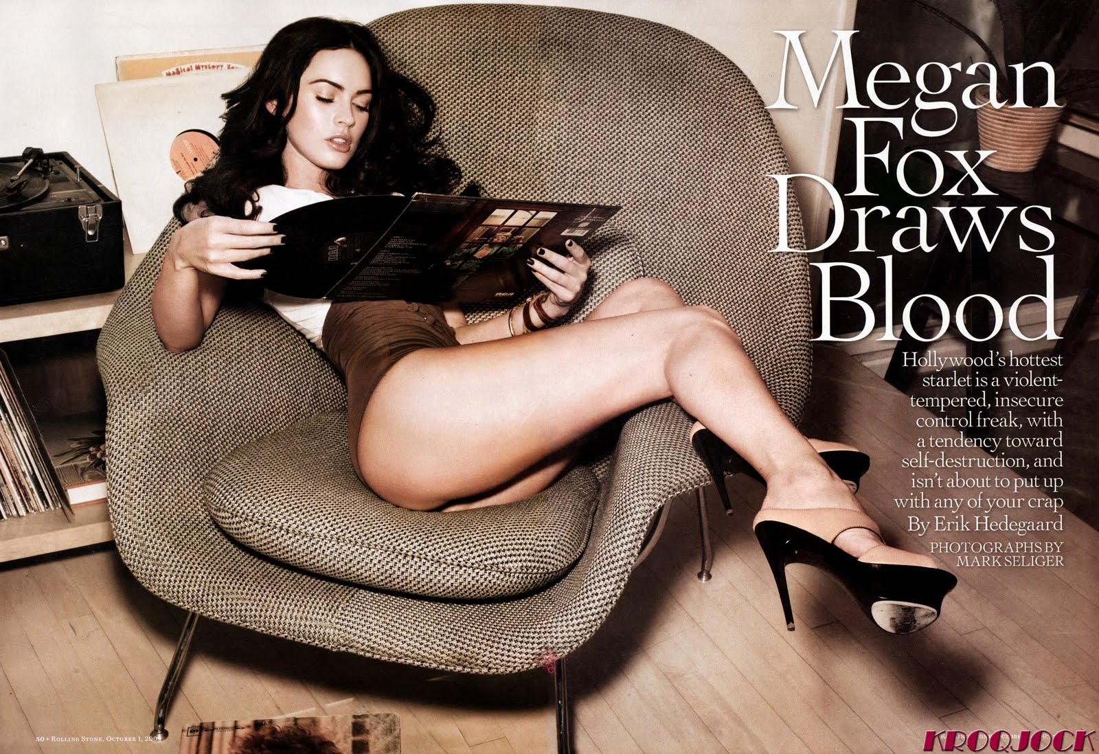 http://2.bp.blogspot.com/_H-dSlgO5IMc/SvIsfiD_dAI/AAAAAAAAAuc/GJu4raKqznI/s1600/Megan-Fox_NET_ROLLING_STONE_October_1_2009_Issue_1088_Scanned_by_KROQJOCK_UHQ3.jpg