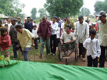 Landmine-affected Families Arrive for Support